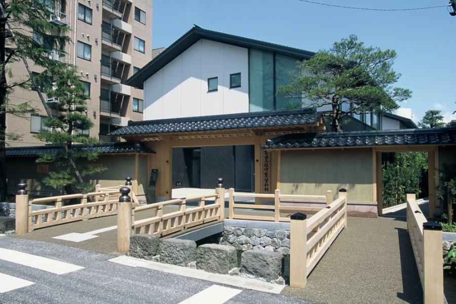 前田土佐守家資料館|石川の観光...